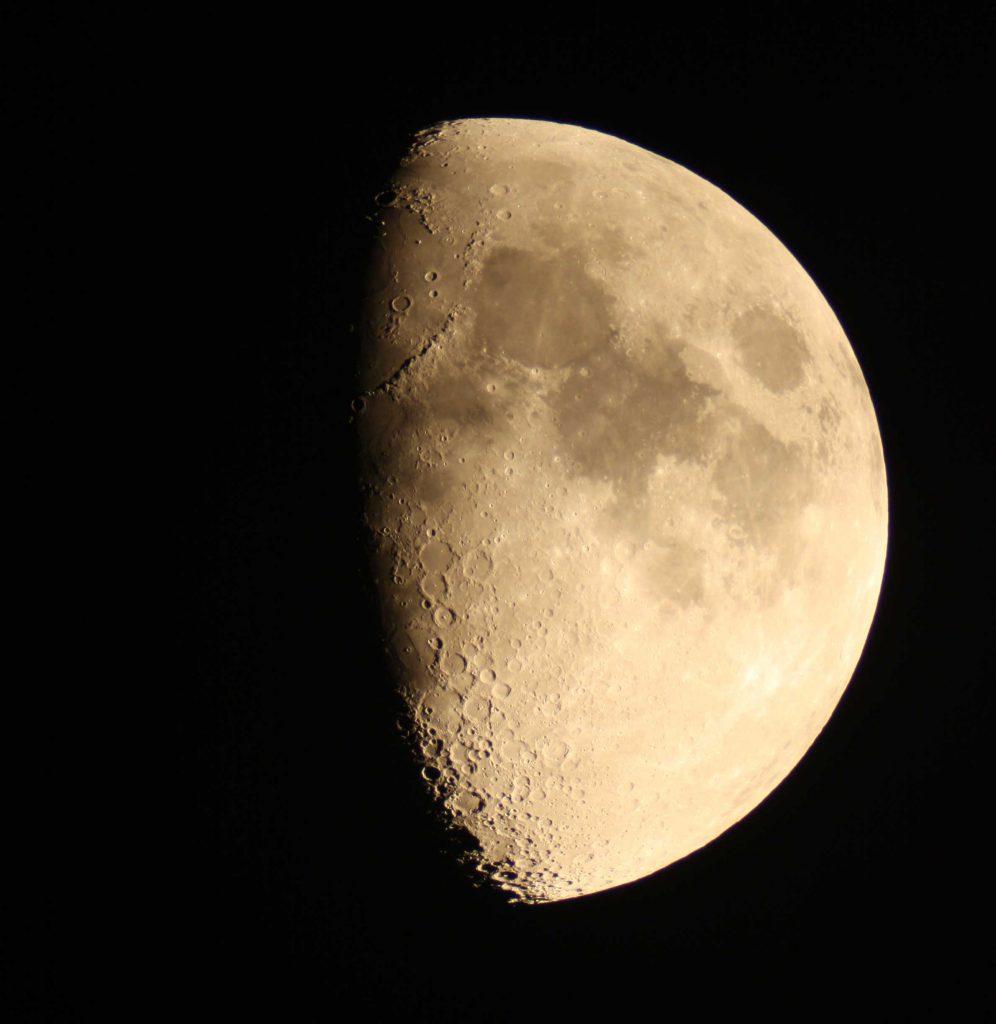 Mond_Ganzsicht